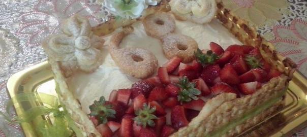 torta cestino di fragole