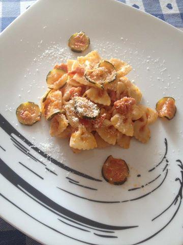 Pasta zucchine, pomodorini e pancetta Bimby